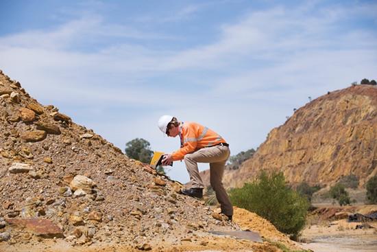 奥林巴斯矿物分析仪-户外检测准确稳定